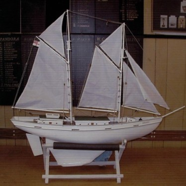 twin_masted_lady_class
