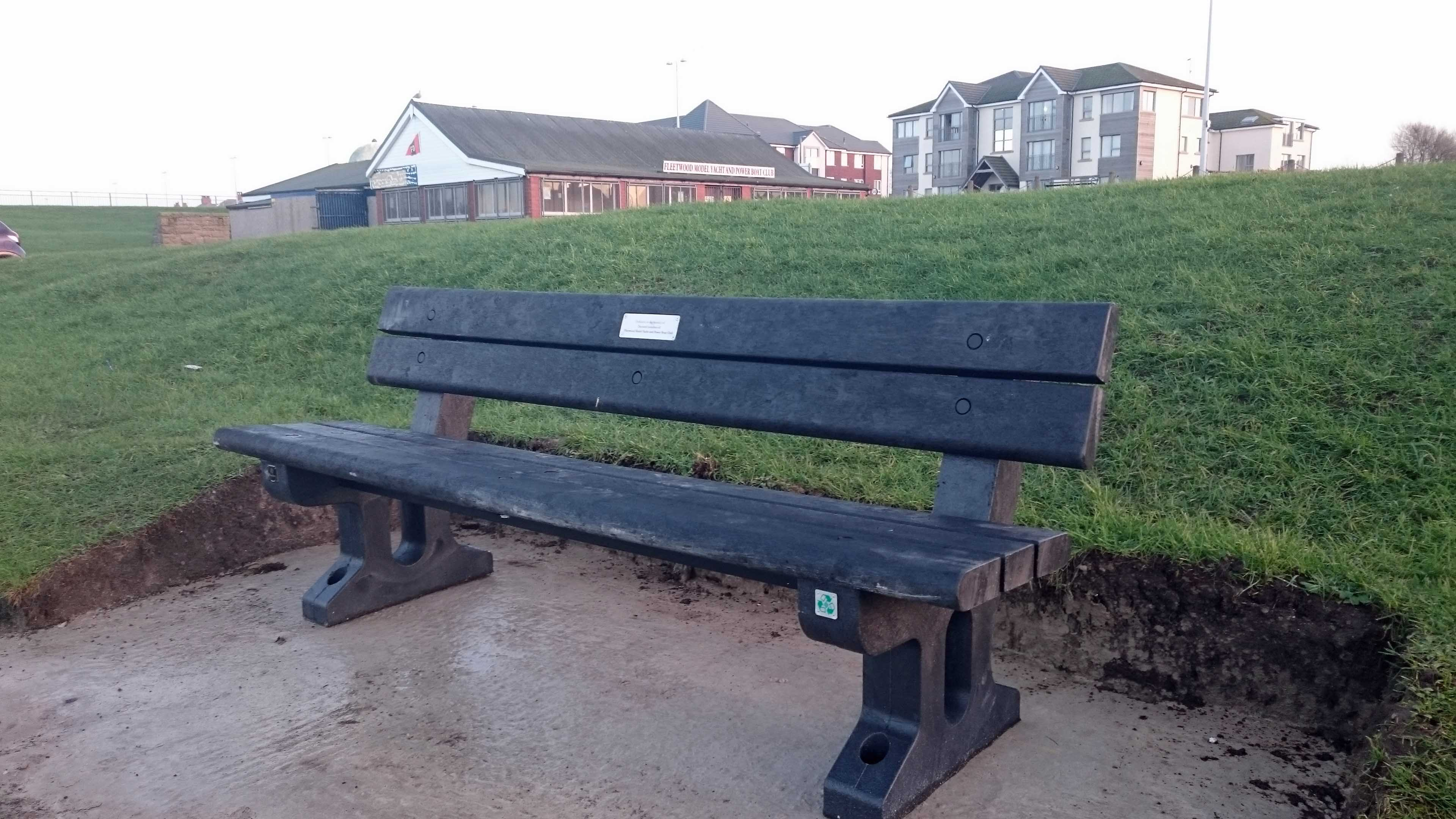 New Memorial Bench Fleetwood Mypbc